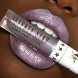 "Jeffree Star Makeup - 💜Jeffree Star ""Clout"" a Metallic Lavender💜"